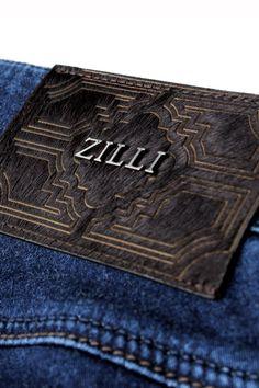 zilli mens jeans 毎シーズン、イタリアはフィレンツェの紳士服見本市ピッティ(PITTI)をはじめ、フランス・ドイツ等ヨーロッパへ直接足を運び、逸品をセレクト。日本ではまだ知られざる「本当に良いもの」だけを貴方へ。