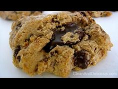 (Almond Butter) Chocolate Chunk Cookies - Gluten Free - these cookies are incredible! Takes 5 minutes and DELICIOUS! @Dani Spies