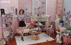 Bronte's Abode: A Girl and her Glam Barbie Go, Barbie Doll House, Barbie Life, Barbie World, Barbie And Ken, Barbie Stuff, Barbie Townhouse, Original Barbie Doll, Modern Dollhouse
