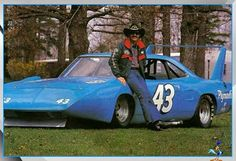 Nascar Cars, Nascar Racing, Auto Racing, Richard Petty, King Richard, Dodge Muscle Cars, 8bit Art, Old Race Cars, Vintage Race Car