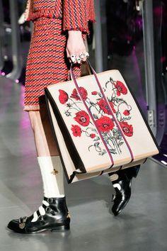 81 best FASHION .  fashion show images on Pinterest  da6fc90b4683f