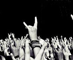 Long live Rock n Roll! Rock Tumblr, Hard Rock, Heavy Metal, Festival Metal, Rave Festival, Punk Rock, Music Is Life, My Music, Live Music