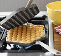 what a cool waffle iron!