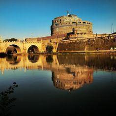 The first light at Castel SantAngelo #roma #rome #instaroma #igersroma #instarome #eternalcity #cittaeterna #romacapitale #quantoseibellaroma