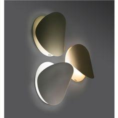 Applique murale orientable en acier et chªne Ray de Mater