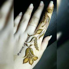 Repost sum of my best fingers patterns🙌✌️💞❤️💝😊👌😘🇮🇳🇦🇪 Modern Henna Designs, Arabic Henna Designs, Mehndi Designs For Girls, Mehndi Designs For Beginners, Mehndi Designs For Fingers, Henna Designs Easy, Mehndi Art Designs, Latest Mehndi Designs, Henna Tattoo Designs Arm
