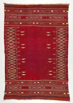 Africa | Rug from Oudref, Tunisai | ca. 1930 - 40 | Wool and cotton; plain woven, interlocking tapestry woven.