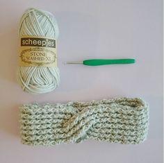 Crochet Rib Turban Headband – on Crafty Queens by Carmen Jorissen Free Crochet, Knit Crochet, Crochet Stitches, Crochet Hats, Irish Crochet, Crochet Turban, Crochet Headband Pattern, Crochet Designs, Crochet Patterns