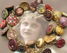Antique button gold charm bracelet.