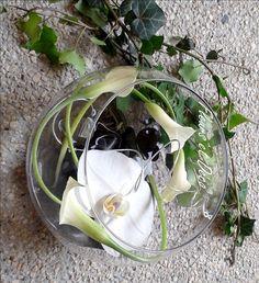 De par leur diversité et leur fraîcheur, les végétaux s'imposent bien souvent comme élément central d'un décor de table. Indispensablelors d'une réception ,une décoration de table sublime et met en valeur le dressage pour créer une ambiance en se projetant dans un thème précis. Le centre de table se décline dans toutes les matières, toutes …