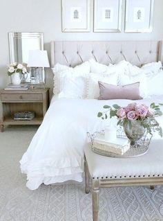30 Best Ideas For Master Bedroom Design Dream Bedroom, Home Decor Bedroom, Modern Bedroom, Bedroom Ideas, Design Bedroom, Feminine Bedroom, Beige Bedroom Furniture, Romantic Bedroom Design, Romantic Master Bedroom