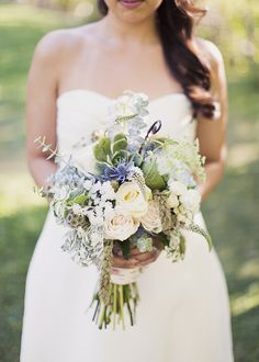 Many brides may understand the wedding flower they desire in their own bouquet, however are a little mystified about the remainder of the wedding event flowers needed to complete the event and reception. Country Wedding Bouquets, Bride Bouquets, Flower Bouquet Wedding, Floral Wedding, Green Wedding, Gold Wedding, Wedding Bells, Trendy Wedding, Perfect Wedding
