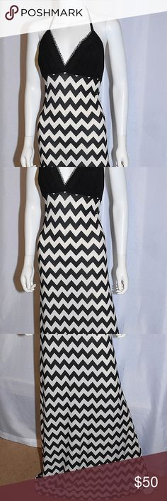Ivory Black Chevron Print with Lace Top Casual Max. Lisa Nieves d85c13539ef02