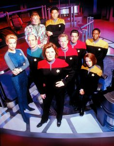 Star Trek Voyager Cast | very nice pic of the season five cast of Voyager. See a hires ...