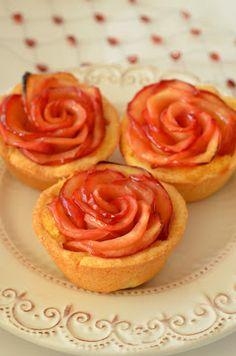 Ninas kleiner Food-Blog: Apfel-Rosen-Tartelettes aus der Muffinform