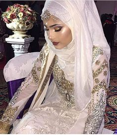 Muslim Wedding Dresses With Sleeves And Hijabs Muslimah Wedding Dress, Muslim Wedding Dresses, Muslim Brides, Dress Wedding, Pakistani Bridal, Indian Bridal, Islamic Fashion, Muslim Fashion, Bodas