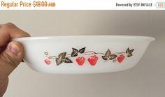 $15.30    PYREX SALE: Vintage 1960s Agee Pyrex 'Strawberry Fair' Casserole Dish / Retro Pyrex Dish by V1NTA6EJO