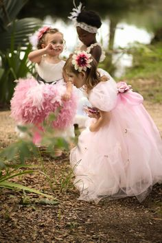 Lythwood Weddings loves these cute pink, floaty flower girls dresses and headbands. Too much cuteness! <3  lythwoodweddings.co.za #lythwood #weddings #flowergirl