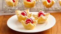 Move over chocolate-covered cherries--these white chocolate cherry cups take the classic flavor combo to the next level.