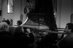 https://flic.kr/p/F4yAoW | Saluto all'Addolorata | © Francesco de Chirico www.francescodechirico.it  Fujifilm X100S  Settimana Santa in Puglia Addolorata Terlizzi (BA)