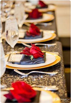 Gatsby Inspired Wedding - #blacksequinlinen #goldbeadedcharger Red Rose w/ Gold…