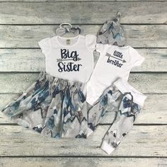 Matching big sister little brother set/ big sister announcement/coming home outfit/baby boy by bibitibobitiboutique on Etsy Big Sister Outfits, Big Sister Little Sister, Baby Boy Outfits, Kids Outfits, Twin Baby Clothes, Boys And Girls Clothes, Baby Boy Messages, Big Sister Announcement, Going Home Outfit