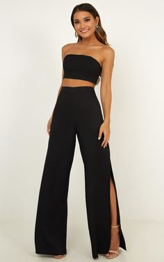 pantalon negro Im The One Two Piece Set In Black Produced By SHOWPO Source by hagenesdakota outfits Prom Outfits, Dressy Outfits, Night Outfits, Chic Outfits, Black Pants Outfit Dressy, Black Outfits, Night Party Outfit, All Black Outfit For Party, Black Crop Top Outfit