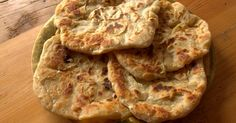 La paratha es un pan típico de la India. La receta tradicional de este pan se elabora con ghee . En este caso, para hacerla sin ingrediente... Pan Indio, Food Inspiration, Goodies, Bread, Chicken, Recipes, Tips, The World, Greek Desserts