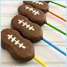 News Top Ten Football Party Recipes - Blue Cheese Tailgate Desserts #News #Top #Ten #Football #Party #Recipes #Blue #Cheese #Tailgate #Desserts Football Desserts, Football Treats, Football Cookies, Football Party Foods, Football Food, Kids Football Parties, Tailgate Desserts, Football Party Decorations, Football Birthday Cake