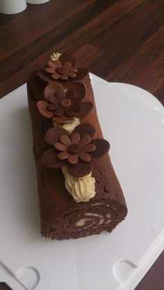 Baileys white chocolate roulade with modelling choc flowers