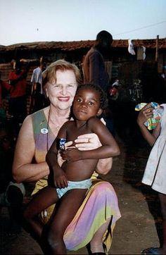 Trabalho de Zilda Arns beneficiou mais de 2 milhões de crianças - 13/01/2010 - UOL Notícias - Reportagens Especiais