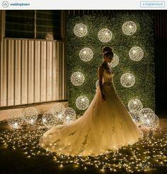 Una hermosa idea para tu foto con tu hermoso vestido de boda