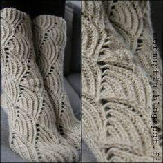 Knitting Charts, Knitting Socks, Cool Socks, Awesome Socks, Happy Socks, Boot Cuffs, Leg Warmers, Crochet Projects, Knit Crochet