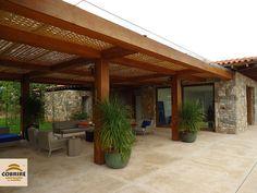 Forro de Bambu para Pergolado - COBRIRE Construções em Madeira Earthship Design, Niche Design, Outside Patio, Wood Patio, Exterior, Home Reno, Outdoor Projects, Future House, Gazebo