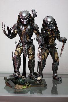 Hot Toys Scar predator and Celtic predator from Sideshow freaks forum. Predator Costume, Predator Cosplay, Predator Movie, Predator Alien, Predator Action Figures, Alien Art, Xenomorph, Fantasy Warrior, Dark Fantasy Art