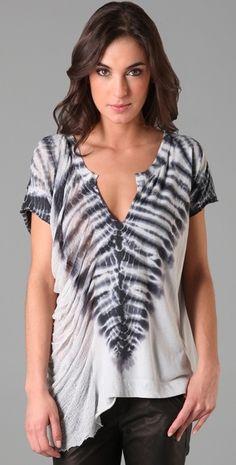 Raquel Allegra Diy Tie Dye Techniques, Textile Dyeing, Shibori Tie Dye, How To Tie Dye, Tie Dye Shirts, Tie Dye Patterns, Tie Dye Dress, Boho Fashion, Fashion Design