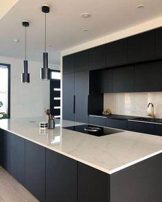 Modern Kitchen Interiors, Luxury Kitchen Design, Kitchen Room Design, Home Room Design, Kitchen Cabinet Design, Kitchen Layout, Home Decor Kitchen, Interior Design Kitchen, Kitchen Designs