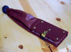 Leather Smartphone Case Girdle Book Style in Custom Colors. Girdle book in general great Largess Idea.