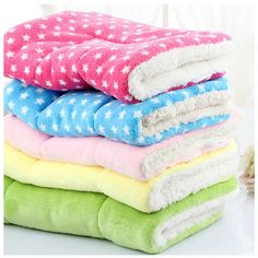Dog House Bed, Cheap Pets, Puppy Pads, Bed Mats, Dog Blanket, Dog Items, Diy Stuffed Animals, Pet Supplies, Pet Dogs