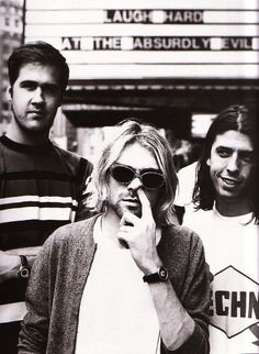 Listen to music from Nirvana like Smells Like Teen Spirit, Come as You Are & more. Find the latest tracks, albums, and images from Nirvana. Emo Bands, Music Bands, Rock Bands, Grunge, Fred Instagram, Donald Cobain, Nirvana Kurt Cobain, Hip Hop, Rockn Roll