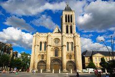 Basilica de Saint Denis  - Igreja Romanica que sofreu transformações e passou a ser considerada Gotica  Pesquisa Google