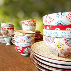 Bohemian dishes. Color dishes. Boho chic Tablware. Gypset style, gypset liviing.