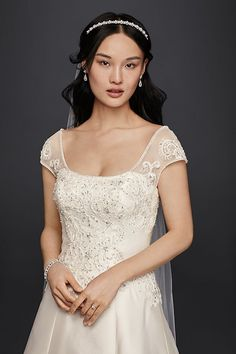 90b813102a65 The oversize appliques that grace the A-line bodice and hem of this petite  regal mikado wedding dress complement the bodice\'s ultra-feminine lace and  ...