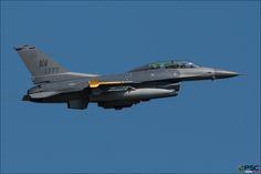 90-0777 AV F-16DM-40-CF 1D-55 510th FS at Aviano AFB