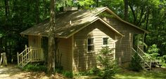 Trillium Cottage - This cottage has the true feel of the forest. Sitting in the woods, it is the most secluded of our five cottages.