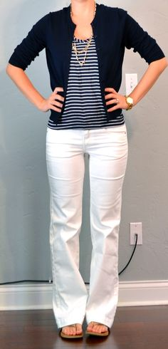 Outfit Posts: outfit post: striped tank, navy cardigan, white jeans NOTE: LOVE this classic business casual look from head to toe. Style Outfits, Casual Outfits, Cute Outfits, Fashion Outfits, Work Outfits, Teacher Outfits, Dress Casual, Casual Wear, Look Office