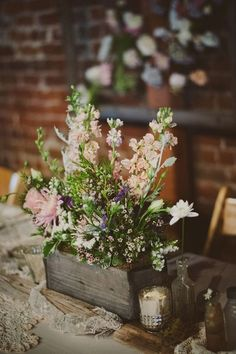 20 Best Wooden Box Wedding Centerpieces for Rustic Weddings | http://www.deerpearlflowers.com/20-best-wooden-box-wedding-centerpieces-for-rustic-weddings/