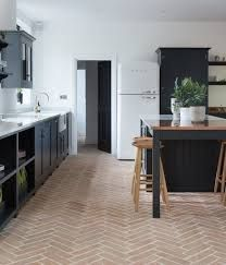A reclaimed terracotta parquet tile with soft pink to red tones which is shown laid in a herringbone pattern Parquet Tiles, Herringbone Tile Floors, Herringbone Pattern, Kitchen Tile Inspiration, Kitchen Ideas, Kitchen Designs, Flagstone Flooring, Terracotta Floor, Open Plan Kitchen