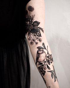 Eagle Tattoos Ideas for Women Eagle Tattoo Ideas; eagle feather tattoos Ideas womens tattoosTattoos for women: ideas Botanisches Tattoo, Fake Tattoo, Tattoo Fails, Piercing Tattoo, Piercings, Tattoo Bird, Chickadee Tattoo, Two Birds Tattoo, Black Bird Tattoo