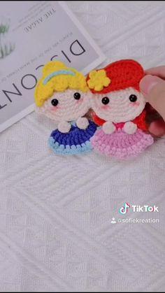 Crochet Gifts, Cute Crochet, Crochet Dolls, Crochet Baby, Crochet Hair Clips, Crochet Hair Styles, Crochet Stitches, Crochet Patterns, Crochet Projects
